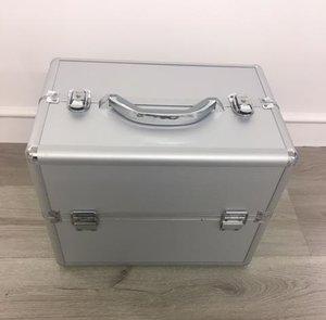 Nagel koffer zilver