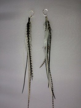 Feather earring Black
